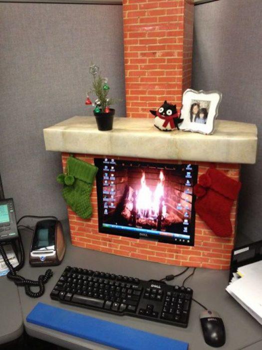 Computadora decorada como una chimenea