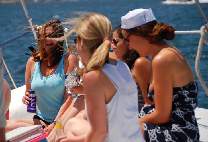 despedida de soltera paseo en bote
