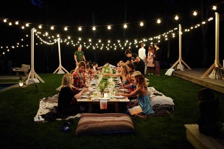 despedida de solteros conjunta jardin por la noche