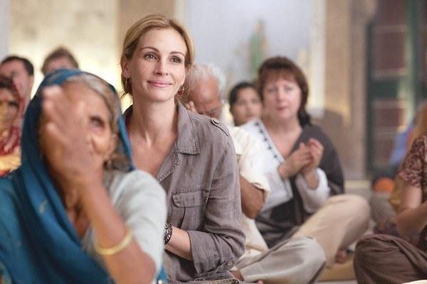 Julia Roberts durante meditación en Comer, rezar, amar