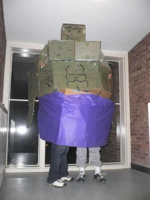 disfraz de hulk de cartón