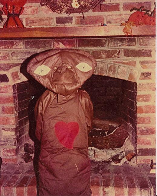 niño disfrazado de ET