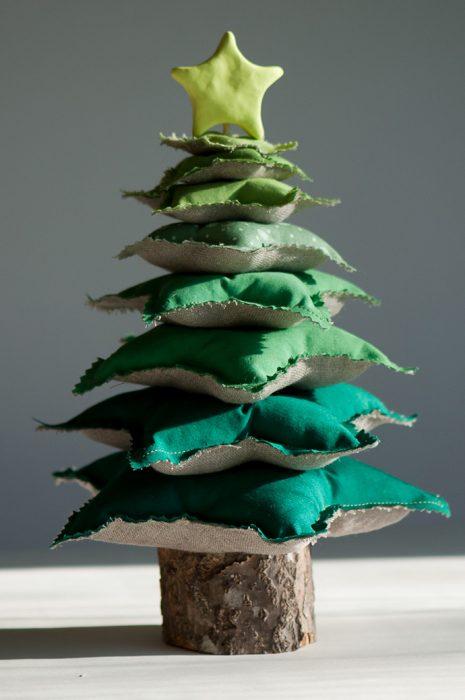 árbol de navidad con cojines