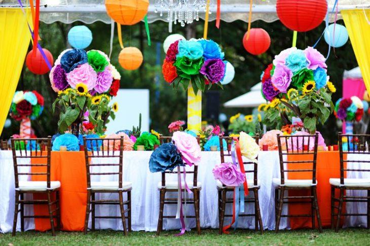detalles decoración de boda de colores