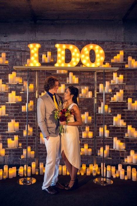 fondo de velas de colores para boda