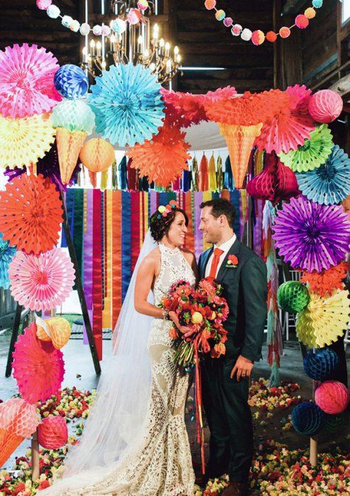 marco para boda de colores