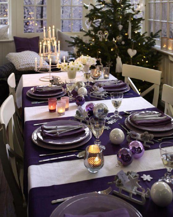 Decoración de mesas en color purpura