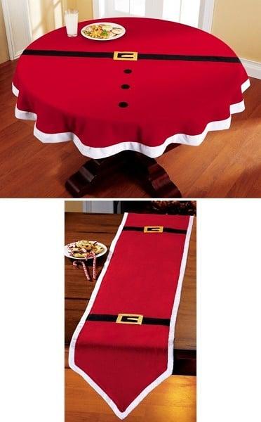 Decoración de mesas con un mantel en forma de santa