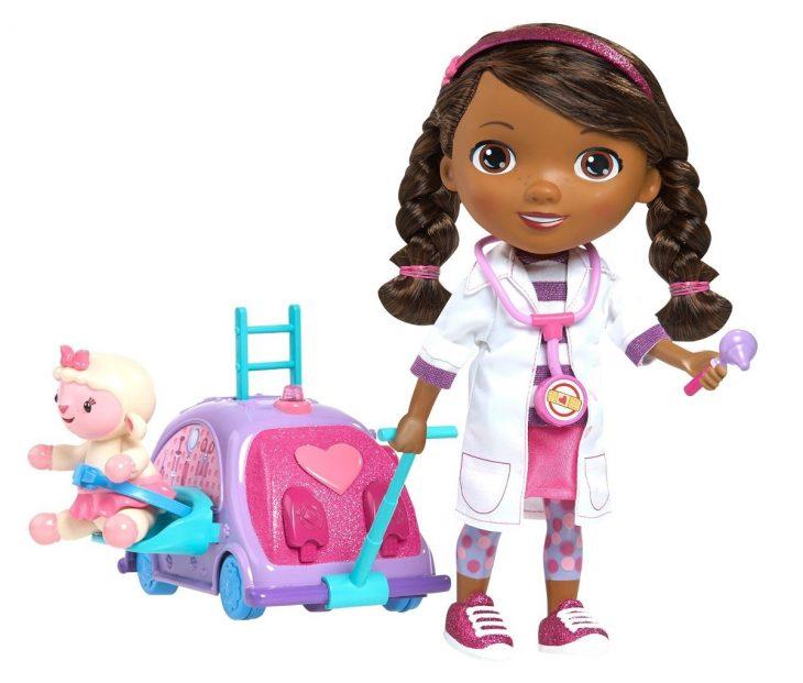 Muñeca llamada doctora juguetes