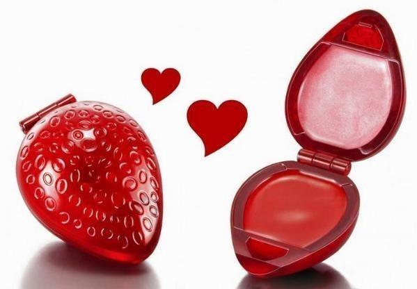 Lipstik en forma de una fresa