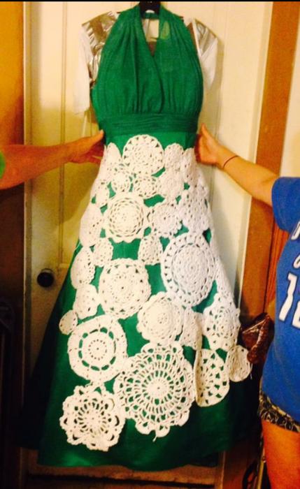 Maniquí con un vestido de novia estilo vintage con tejidos