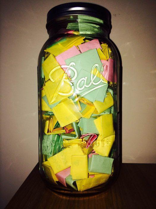 jarrón con 365 notas