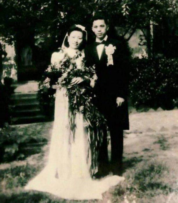 Cao Yuehua y Wang Deyi cuando se casaron 1945
