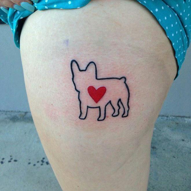 Tatuaje contorno de perro