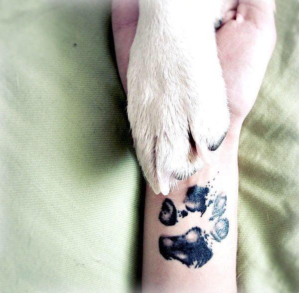 Tatuaje huella canina