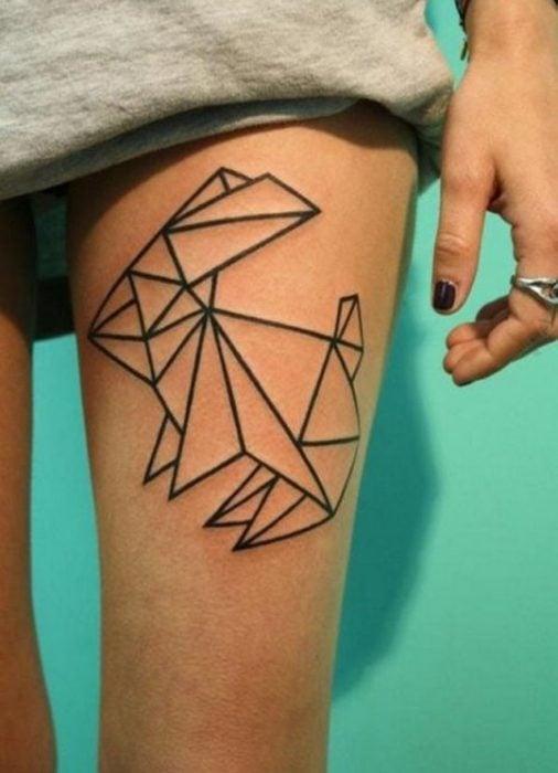 Tatuaje conejo minimalista