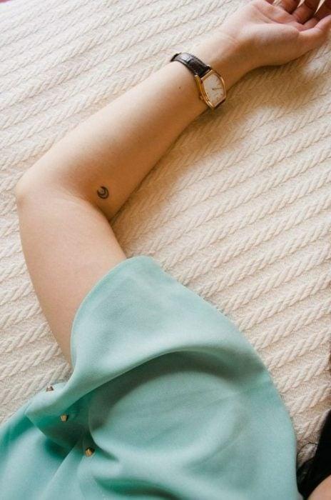 Tatuajes miniatura luna