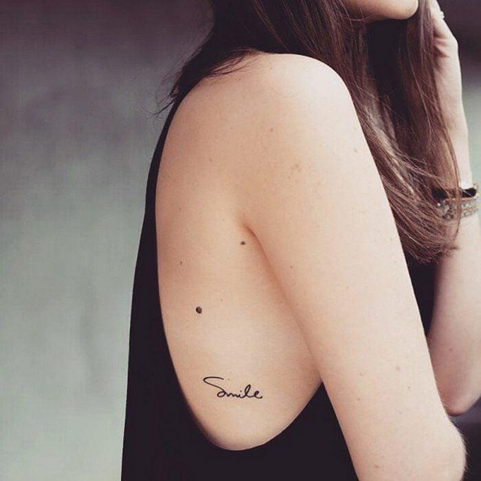 Tatuajes miniatura smile