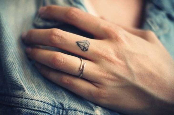 Tatuajes miniatura diamante