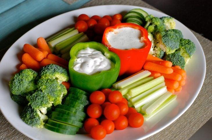 Dips en pimientos y verduras