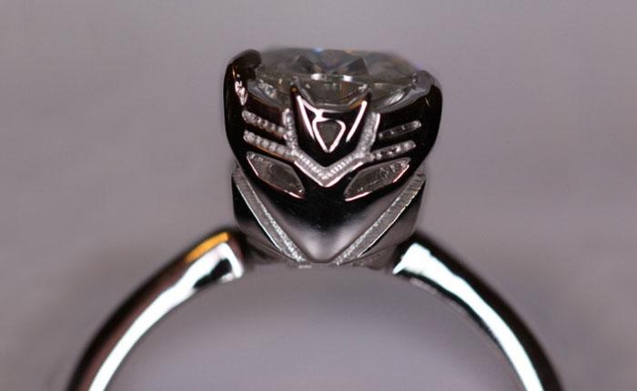 anillo de compromiso de transformers