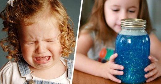 El frasco de la calma, la técnica contra el llanto que está ayudando a padres de todo el mundo