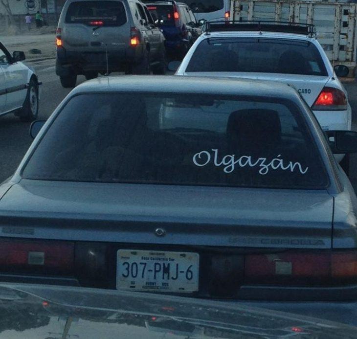 coche con falta de ortografía