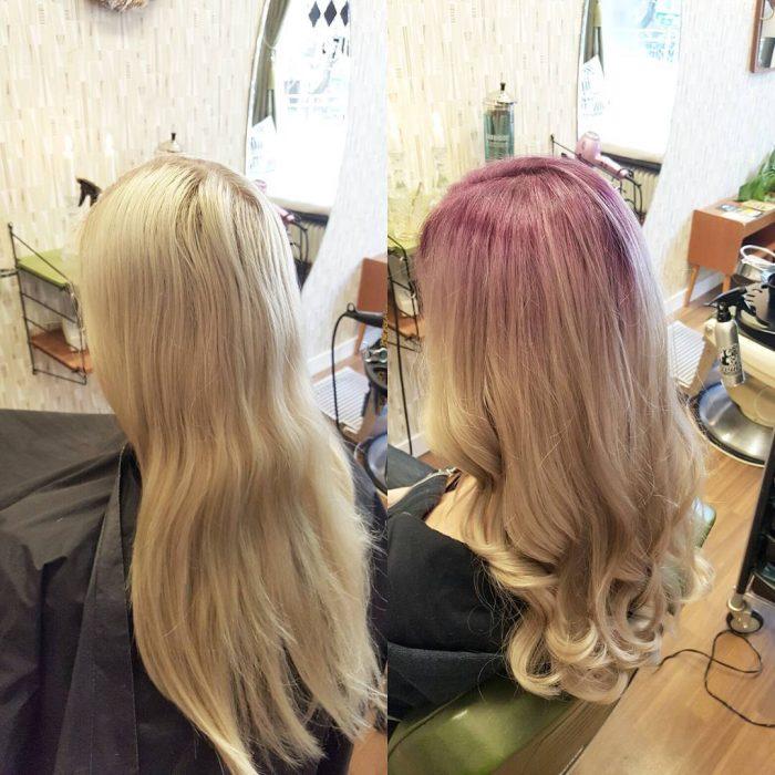 Chica antes y después de una transformación en su cabello de la raíz rubia a la raiz rosa