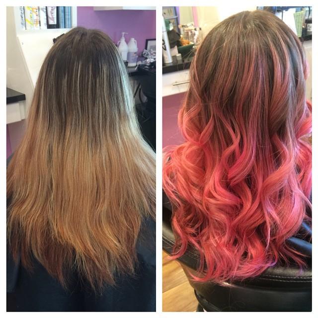 Chica antes y después de una transformación en su cabello de tener el cabello café a tenerlo con las puntas color rosa