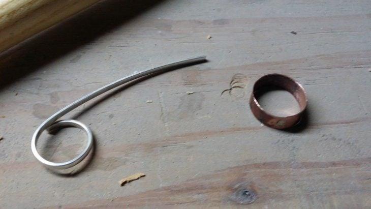 Pruebas con plata y cobre para un anillo de compromiso