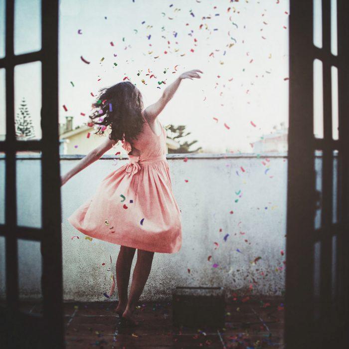 Chica disfrutando la vida