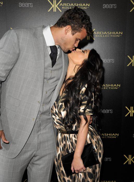 Kris Humphries y Kim Kardashian besándose