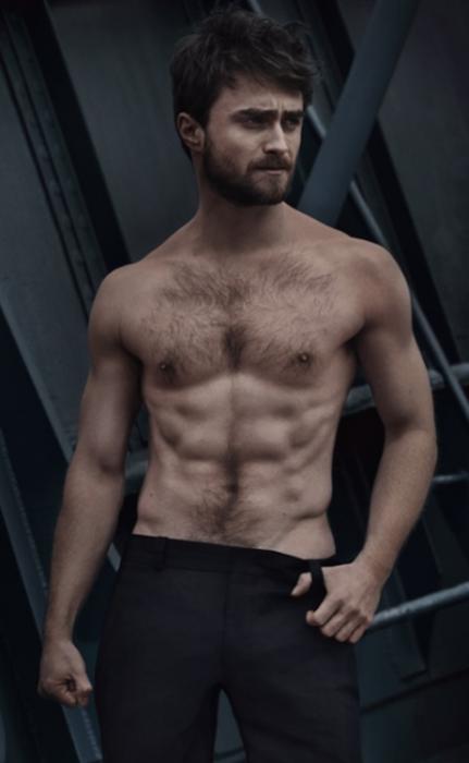 Daniel Radcliffe posando sin camisa