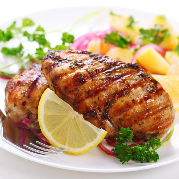 Pechuga de pollo con jugo de limón