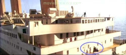 Errores de la película Titanic sombras que no coinciden con las personas