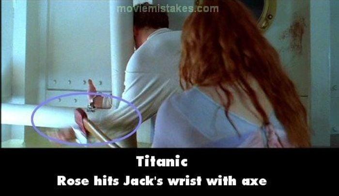 Errores de la película Titanic rose golpeando a jack en el brazo