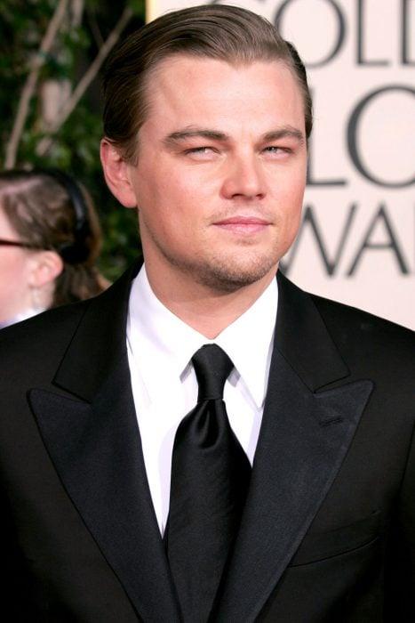 Leonardo DiCaprio en la alfombra roja del 2005 de los globos de oro