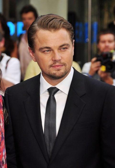Leonardo DiCaprio en una alfombra roja en 2010