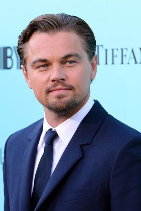 Leonardo DiCaprio en la alfombra roja del gran gatsby en 2013