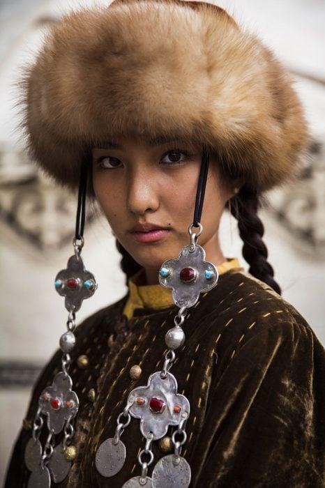 mujer de Kirguistán fotografiada por Mihaela Noroc