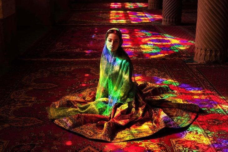 mujer de Irán fotografiada por Mihaela Noroc
