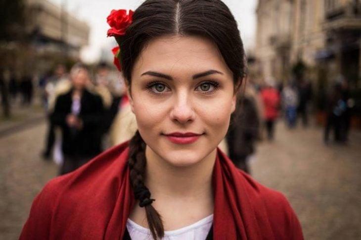 mujer de Moldavia fotografiada por Mihaela Noroc