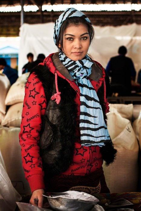 mujer de Uzbekistán fotografiada por Mihaela Noroc