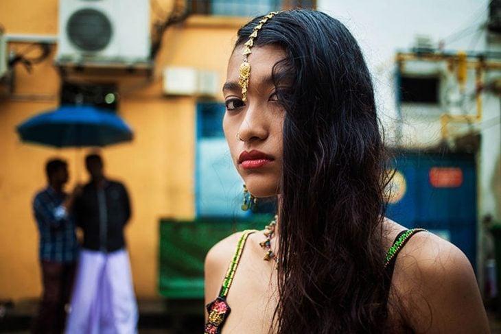 mujer de Singapur fotografiada por Mihaela Noroc