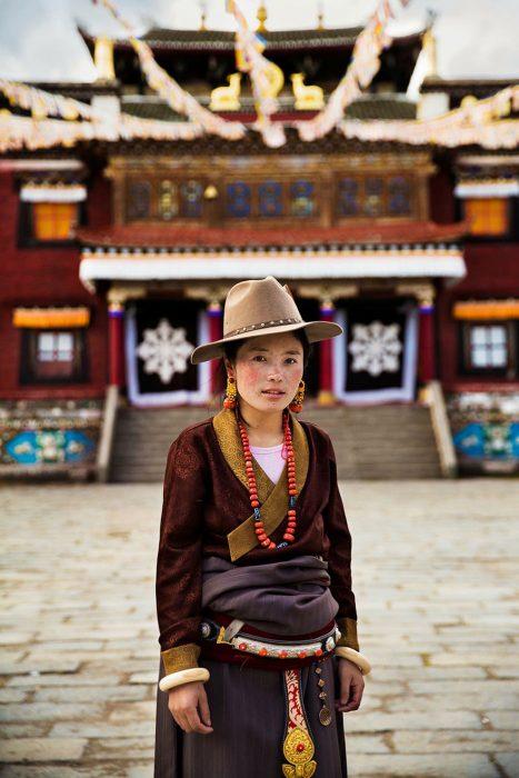 mujer de China fotografiada por Mihaela Noroc