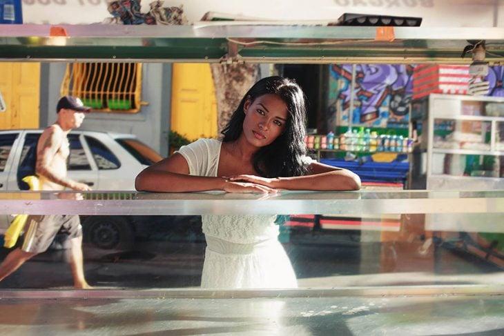 mujer de Brasil fotografiada por Mihaela Noroc