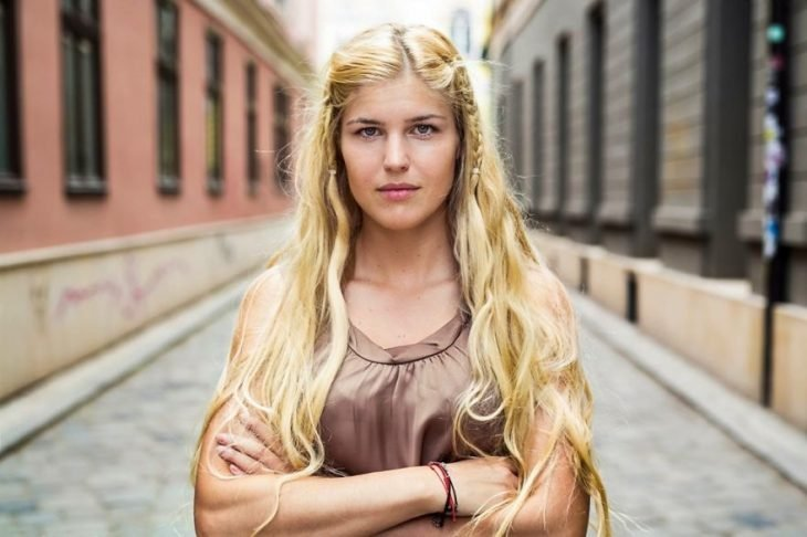 mujer de Rumania fotografiada por Mihaela Noroc