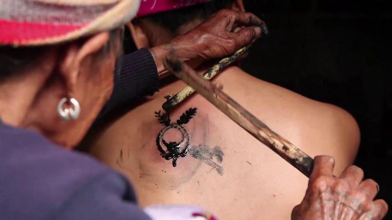 La Mujer Que Mantiene La Tradición De Los Tatuajes Kalinga