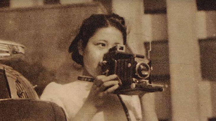 fotógrafa Tsuneko Sasamoto de joven