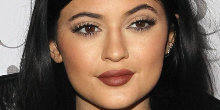 mujer labios gruesos